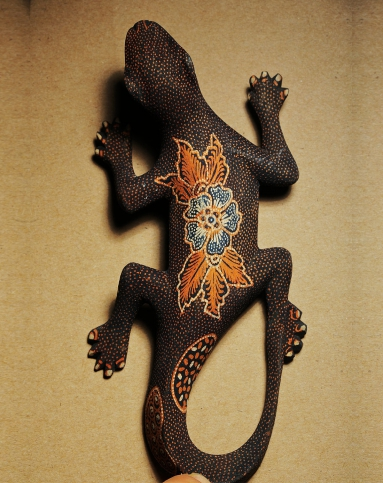 巴厘乌布大师手工木雕点绘作品《蜥蜴巴厘》