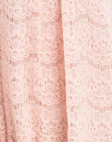 粉红色镂空蕾丝连衣裙