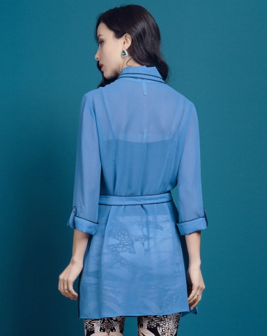 蓝色印花真丝连衣裙