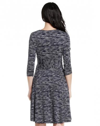 随性纹理藏蓝拼黑白色中袖连衣裙