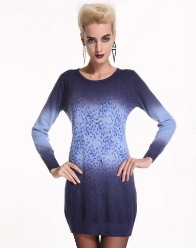 浅蓝色圆领印花渐变羊绒裙
