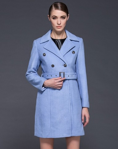 浅蓝色长袖翻领修身气质大衣外套